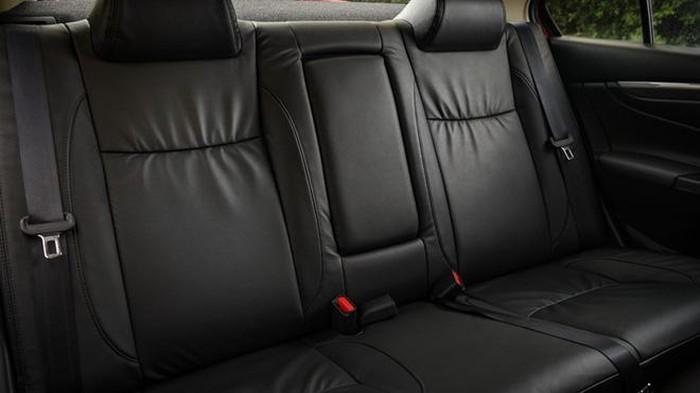 Dây an toàn tiêu chuẩn được trang bị cho mỗi ghế với cơ chế tự căng và giới hạn lực nhưng vẫn tạo sự thoải mái cho người ngồi.