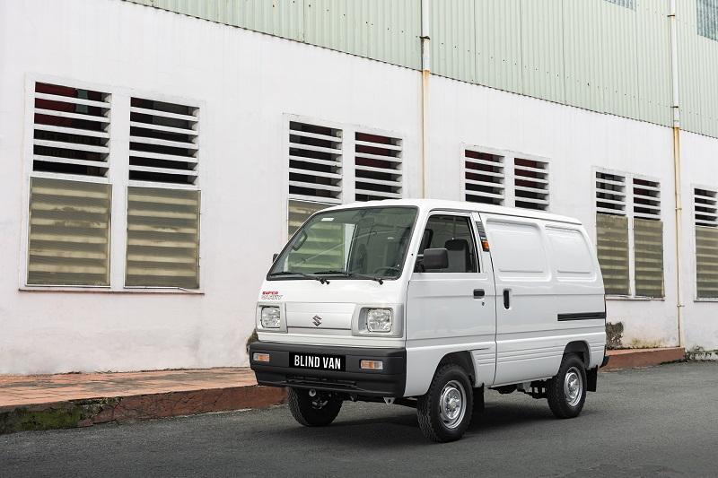 Khung xe Blind Van được sơn tĩnh điện, chống rỉ sét hiệu quả, đồng thời giúp giảm xóc