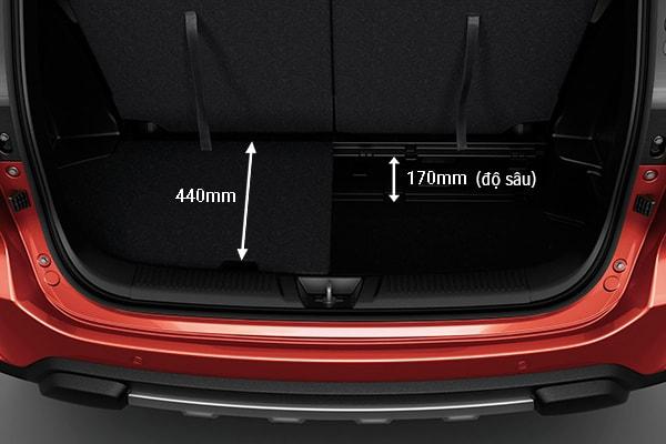 Khoảng cách giữa ghế ngồi và sàn xe lớn, giúp tăng khả năng chứa hành lý, hàng hóa,...