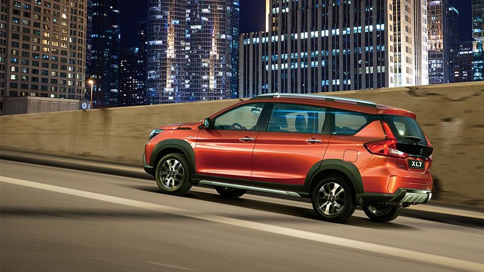 Ô tô 7 chỗ Suzuki XL7 vận hành êm ái, đảm bảo an toàn tuyệt đối