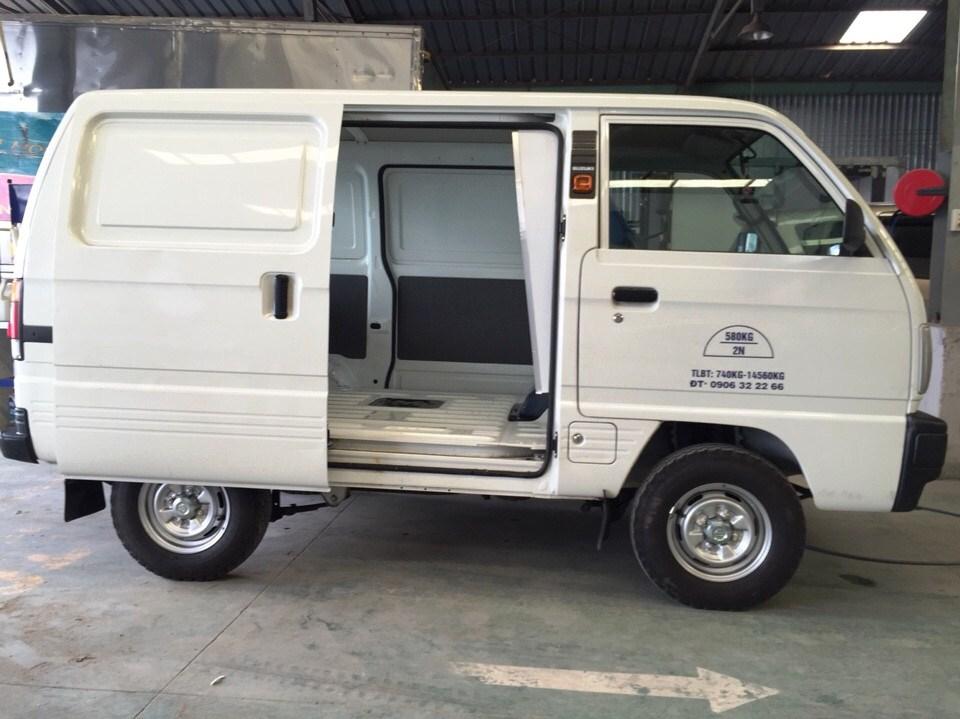 Suzuki Van Blind được thiết kế kèm cửa kéo bên hông tiện lợi